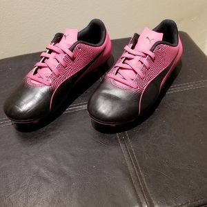 Pink PUMA Girl's Cleats (Size 2Y)